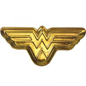 Wonder Woman: Picking Up the Win Accessory Dish
