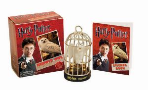 Harry Potter: Miniature Hedwig Owl Kit and Sticker Book