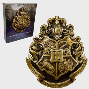 Harry Potter: Hogwarts Crest Wall Art Preorder