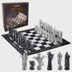 Harry Potter: Wizard's Chess Set